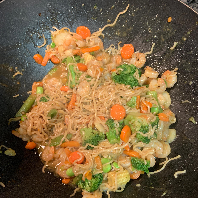 Easy Shrimp Lo Mein