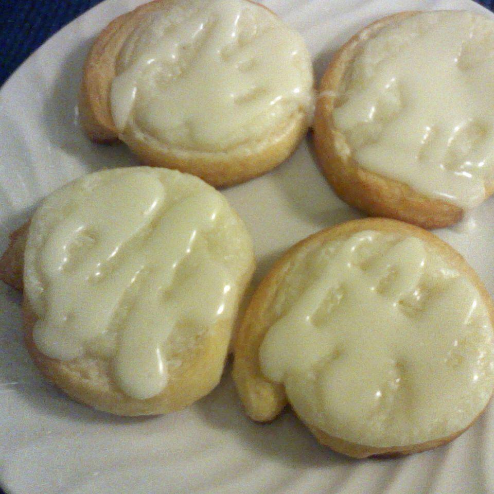 Easy Cream Cheese Danish GIRLNBLACK77