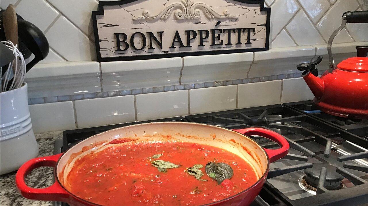 Amazingly Simple Tomato Sauce