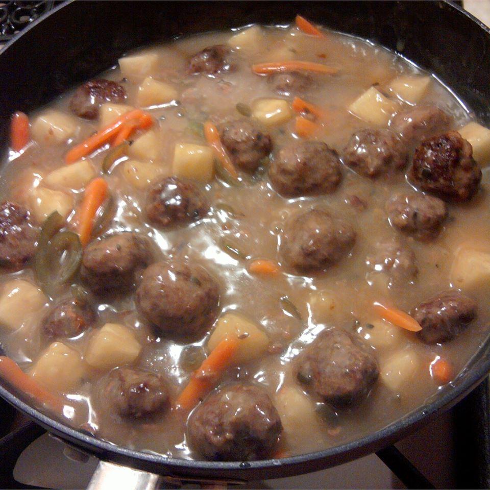 Sweet and Sour Meatballs (Suan T'ien Niu Jou Po Lo La Tzu) Marcia
