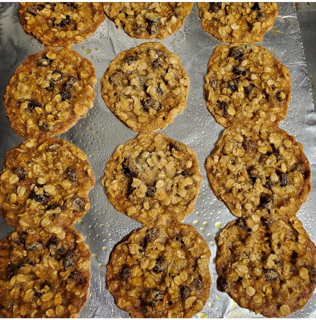 Oatmeal Raisin Cookies I Nikki Lance