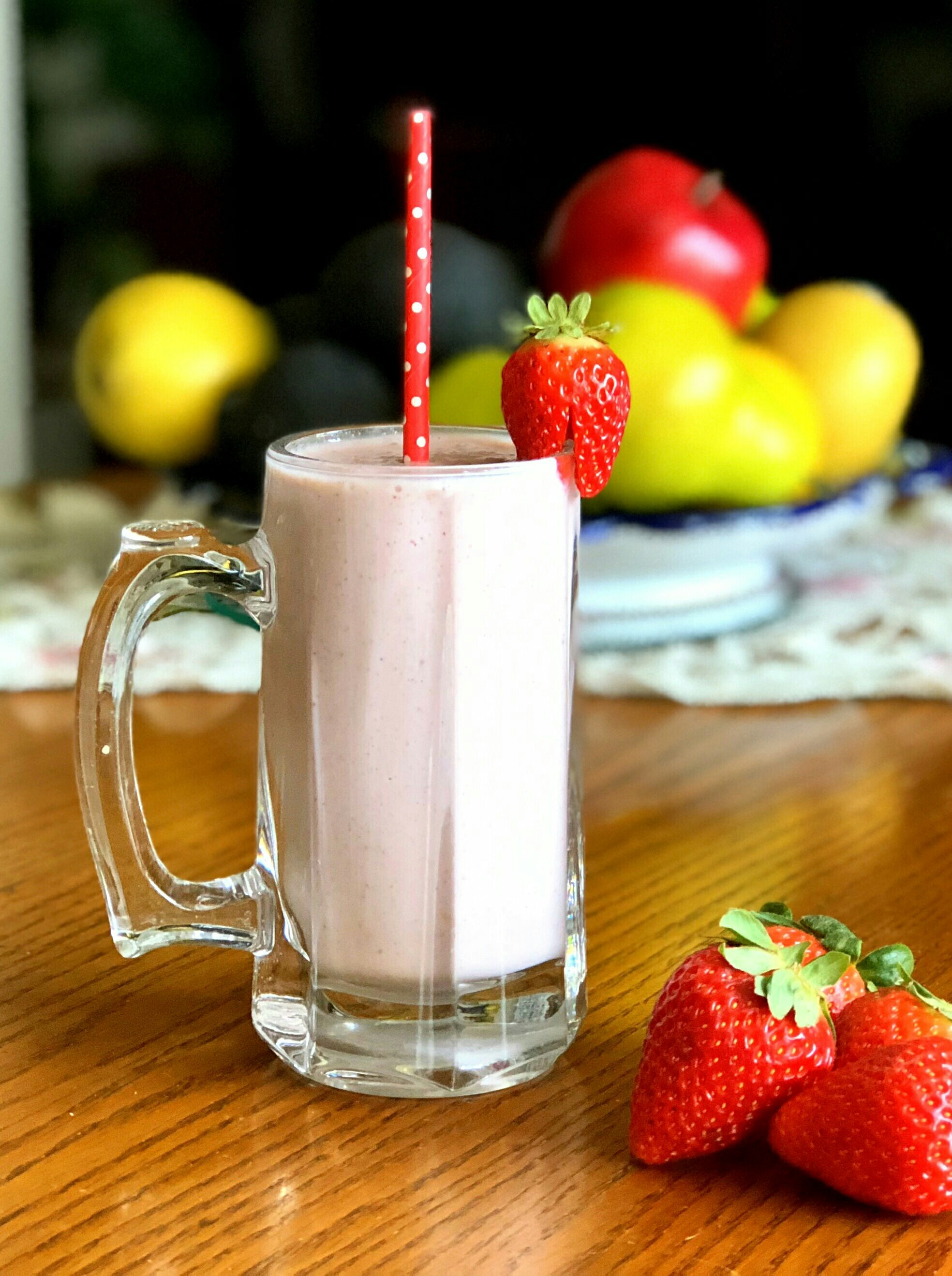 Strawberry-Mint Protein Smoothie