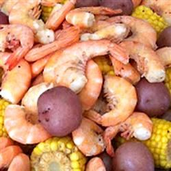 Mild-Style Shrimp Boil with Corn and Red Potatoes