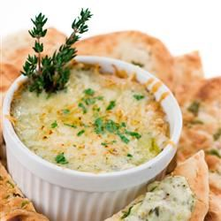 Hot Spinach, Artichoke, and Swiss Cheese Dip