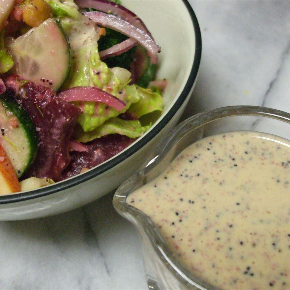 Rainbow Salad with Lemon Poppyseed Dressing marljong
