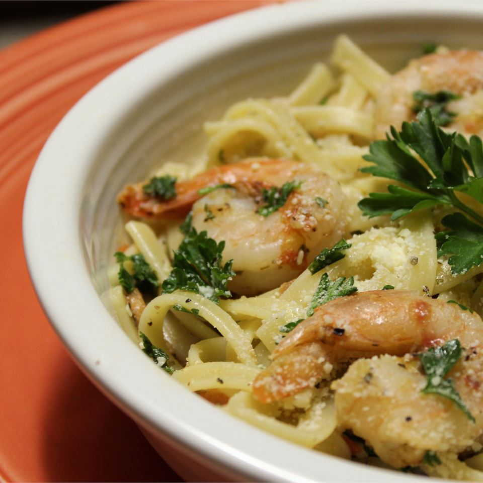 Champagne Shrimp and Pasta hungryallweighs