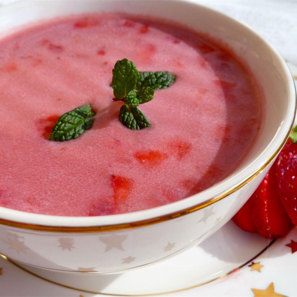Strawberry Soup a la Kiev lutzflcat