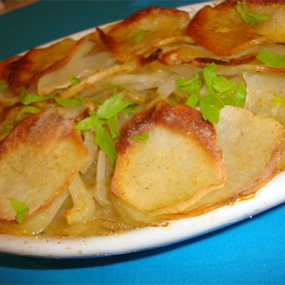 Candie's Easy Potato and Onion Dish pelicangal
