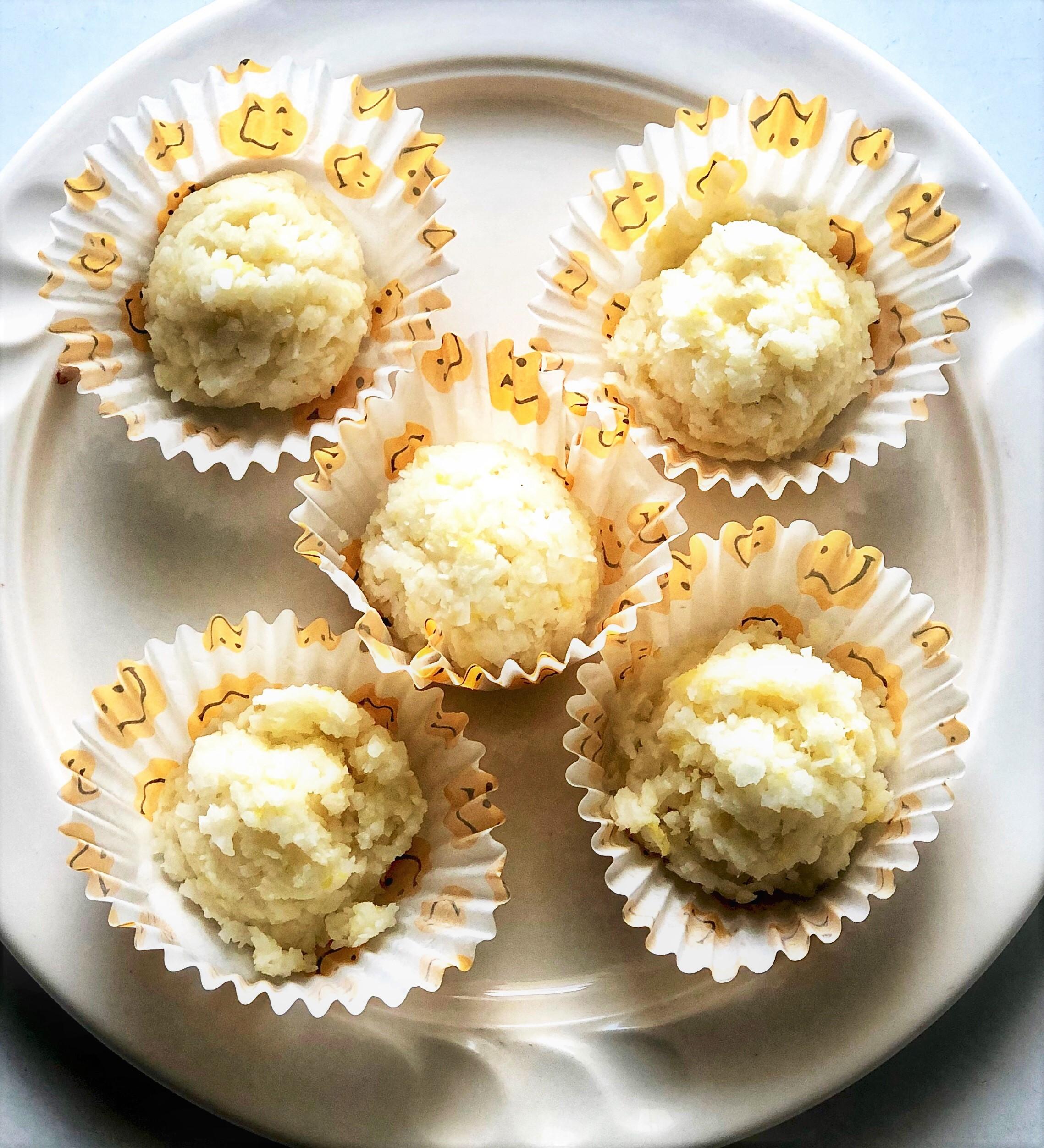 Vegan Keto Lemon Fat Bombs