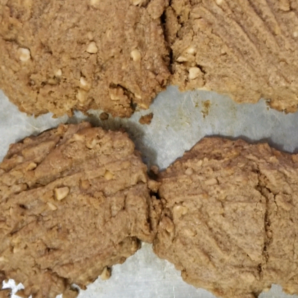 4-Ingredient Keto Peanut Butter Cookies