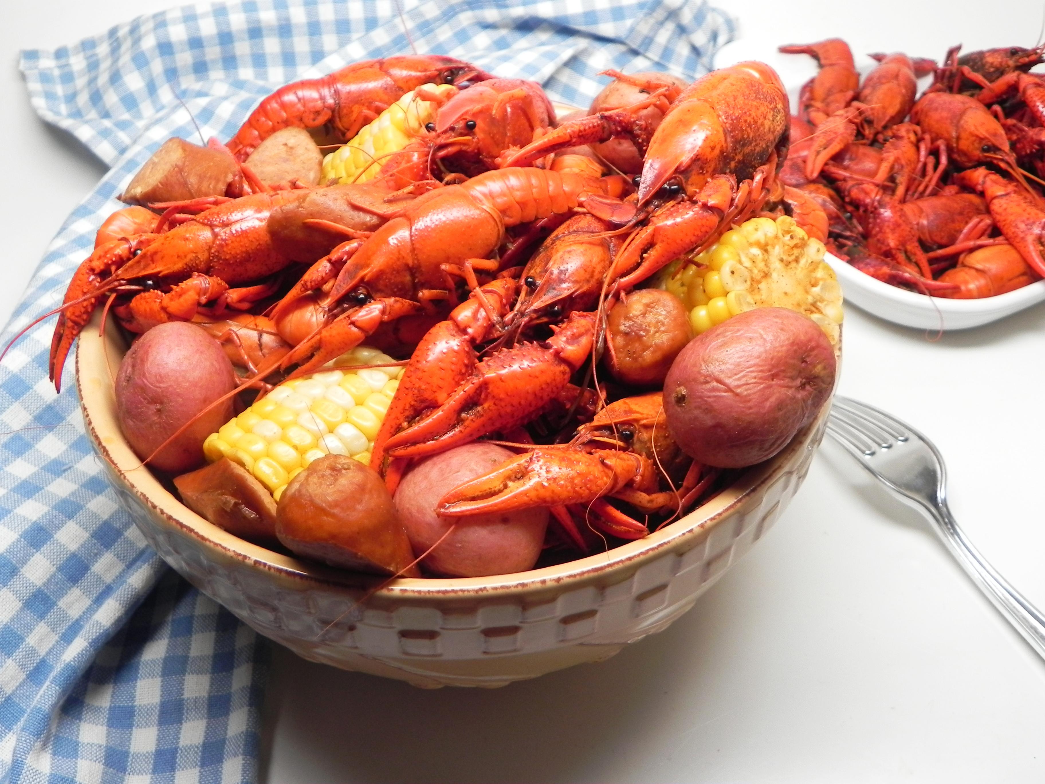 Instant Pot® Live Crawfish Boil for Four