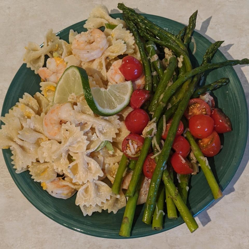 Shrimp Pasta Salad With a Creamy Lemon Dressing