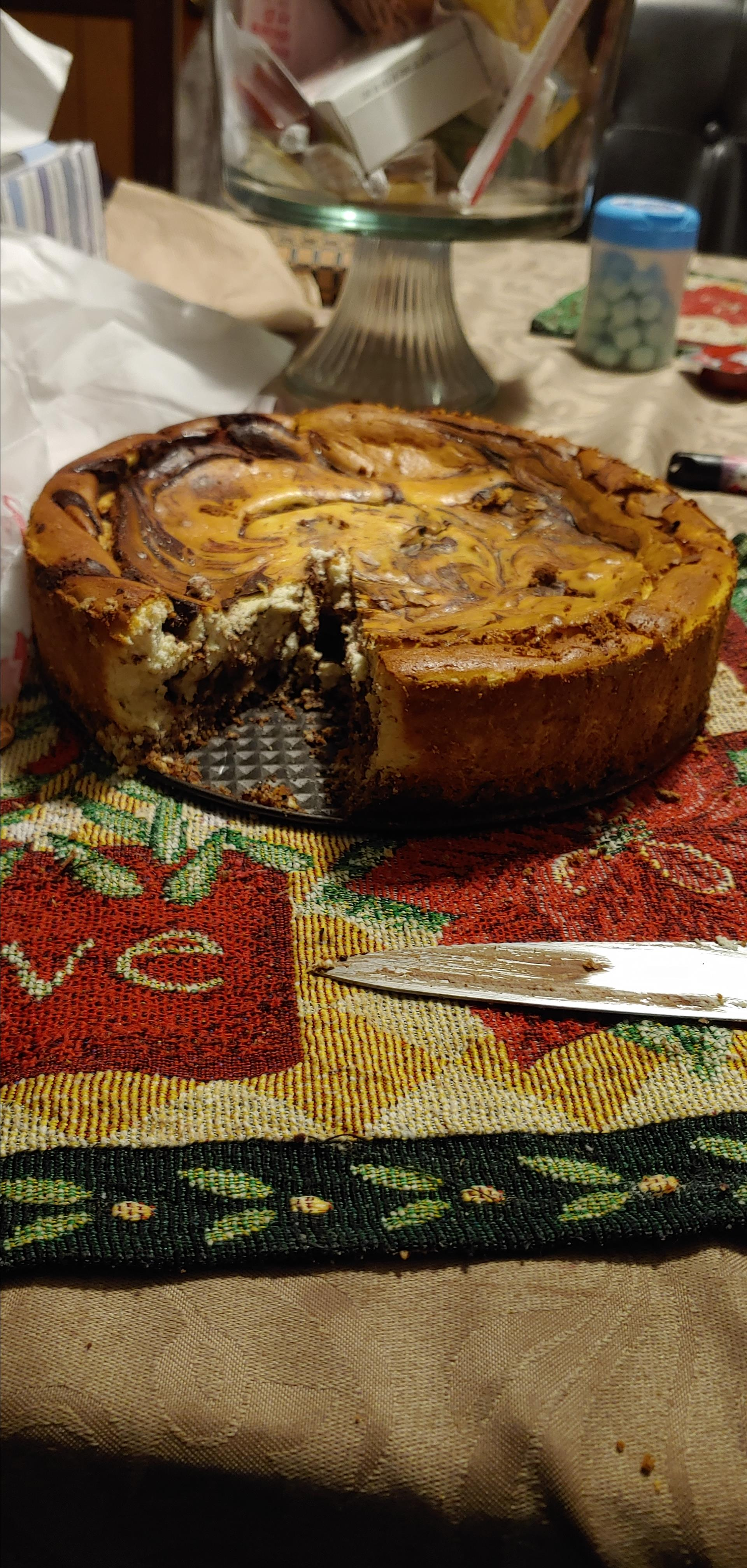 Low-Carb Chocolate Swirl Cheesecake