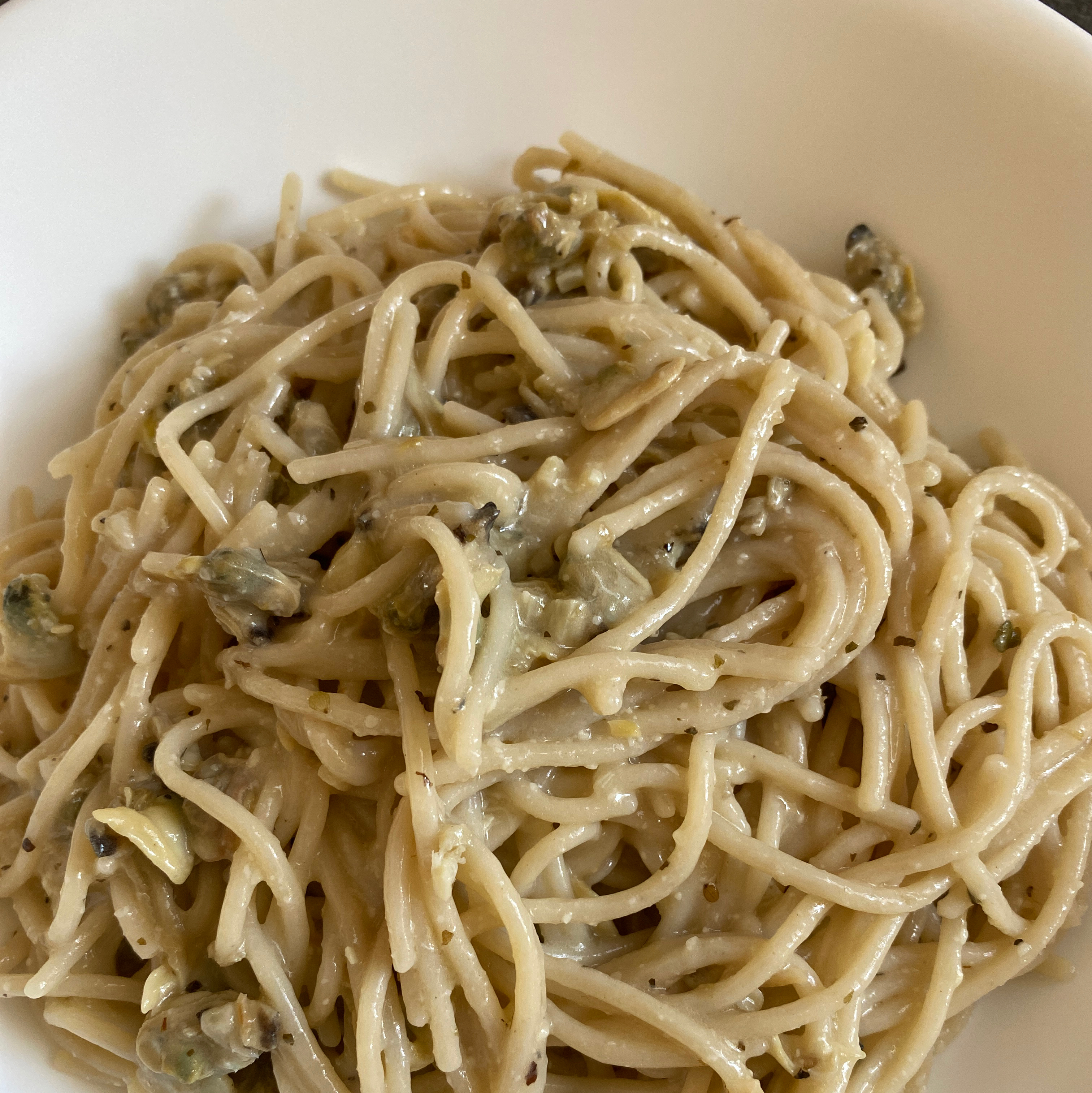 Spaghetti with White Clam Sauce SkimBerrie