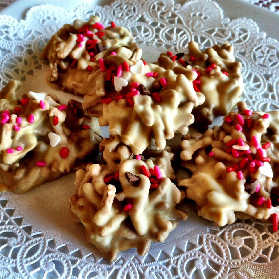 Fiber One® Chocolate-Peanut Butter Haystacks LatinaCook