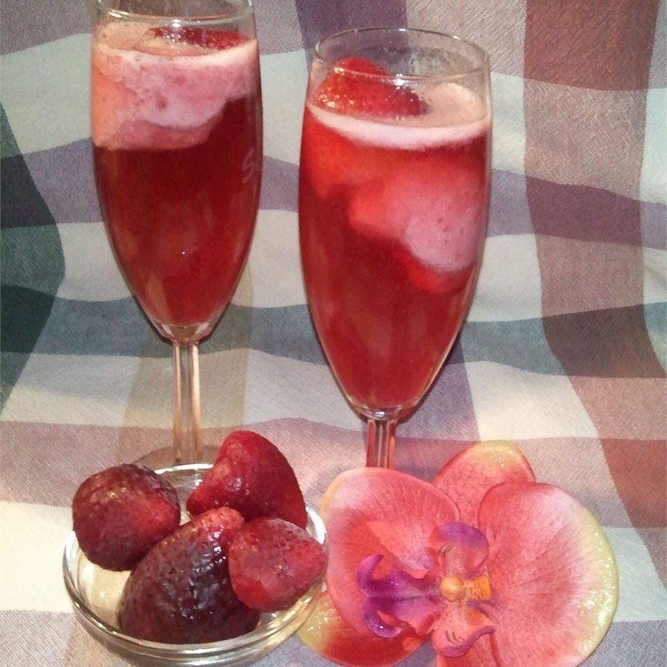 Champagne with Strawberries HEIDI 'S HOME