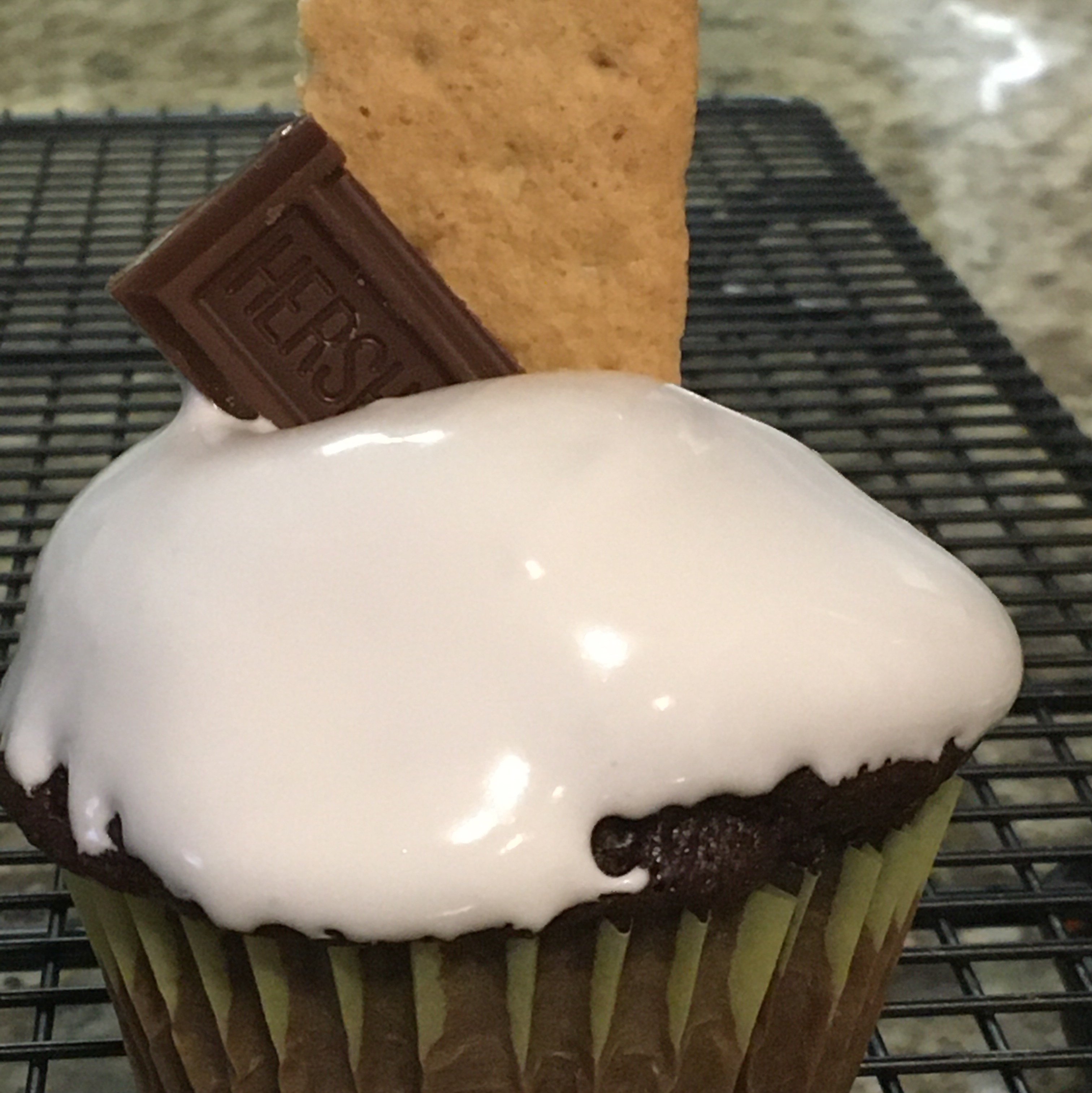 Old-Fashioned Snow Peak Frosting