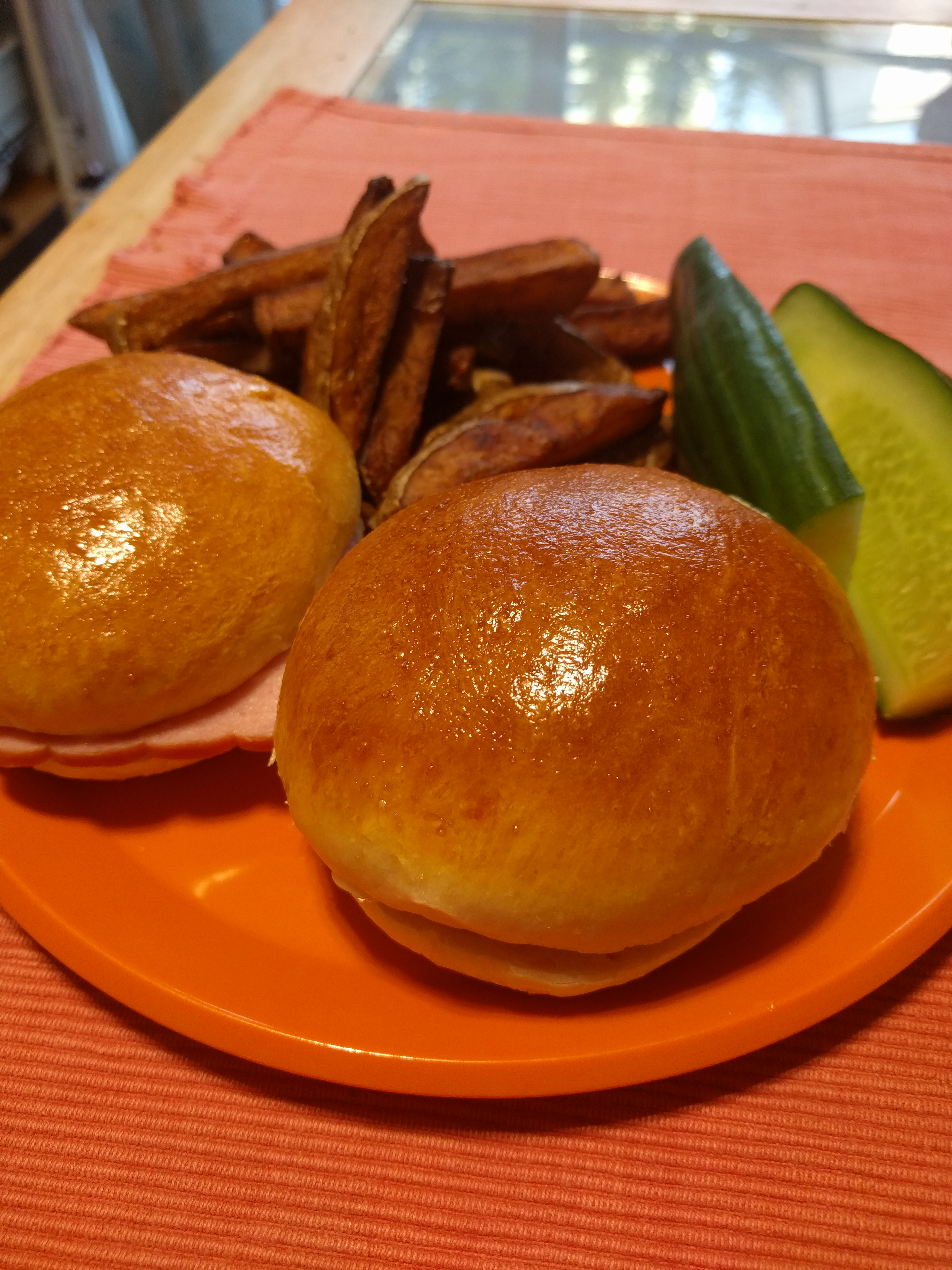 Belle's Hamburger Buns MilkyMama
