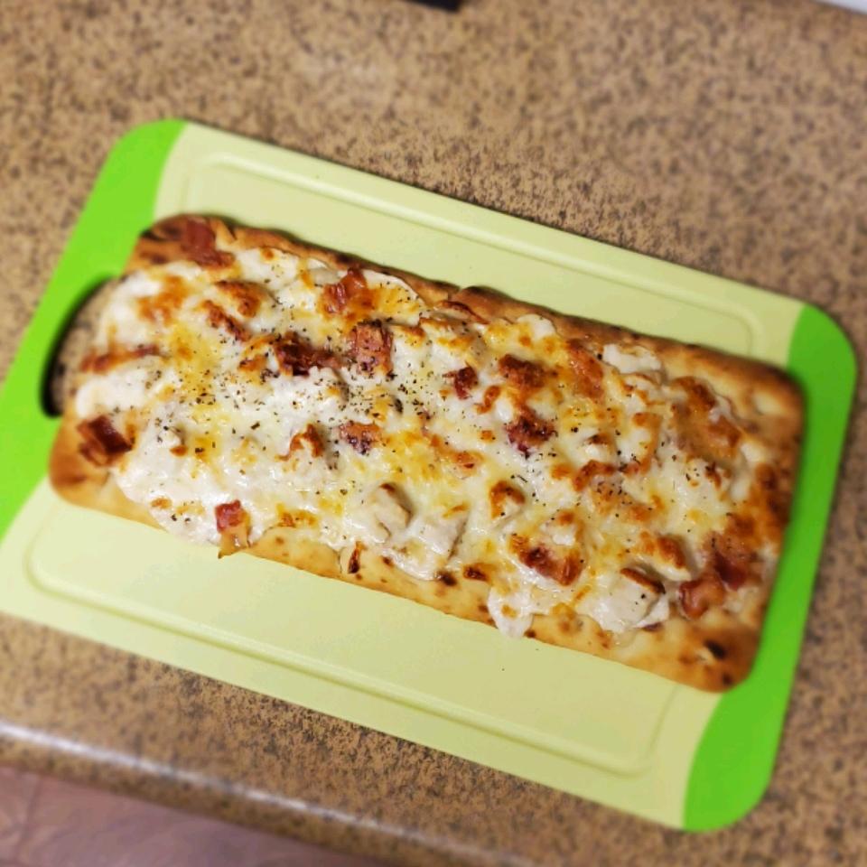 Grilled Chicken Alfredo Flatbread Pizzas Zoe Simone Flaks