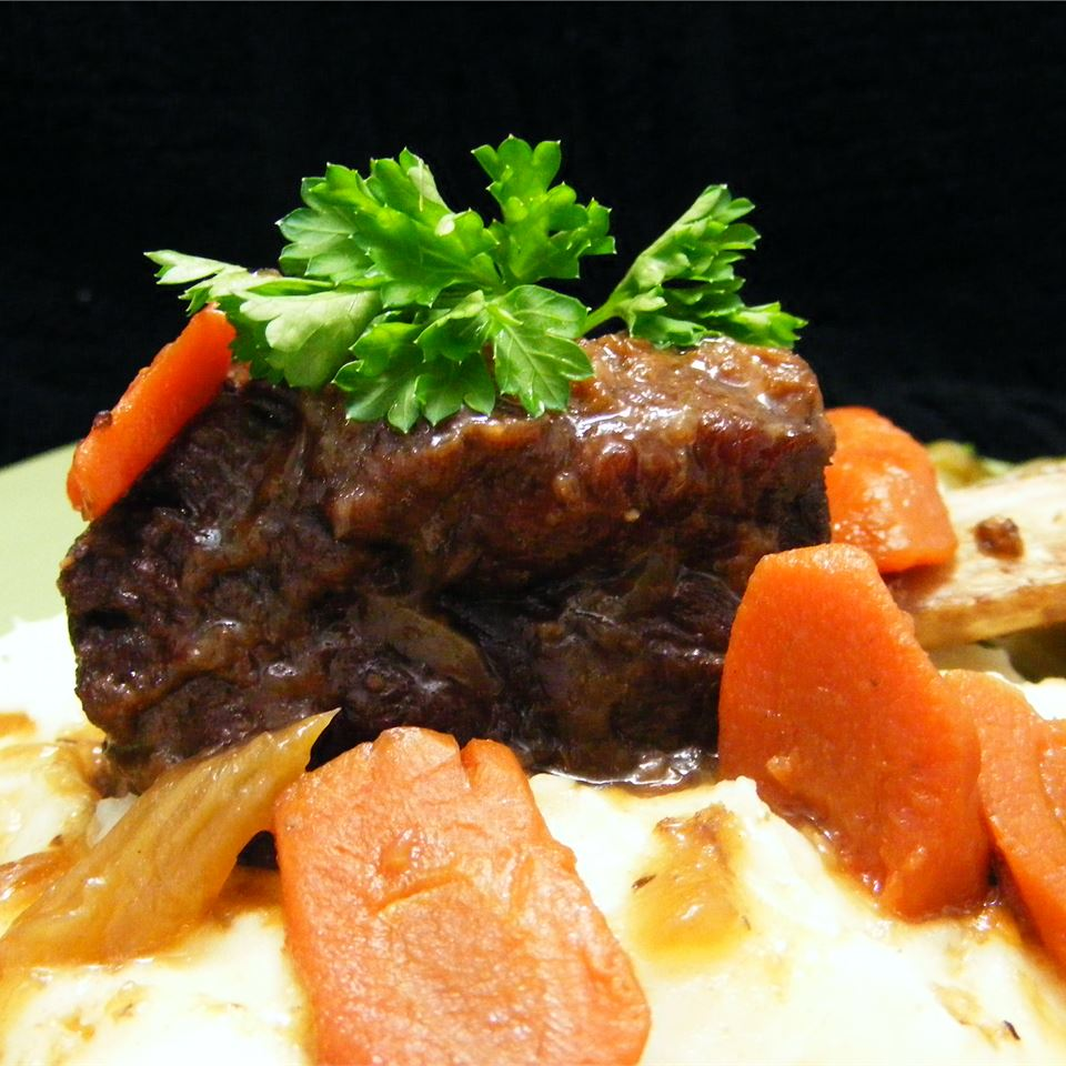 Smothered Beef Short Ribs