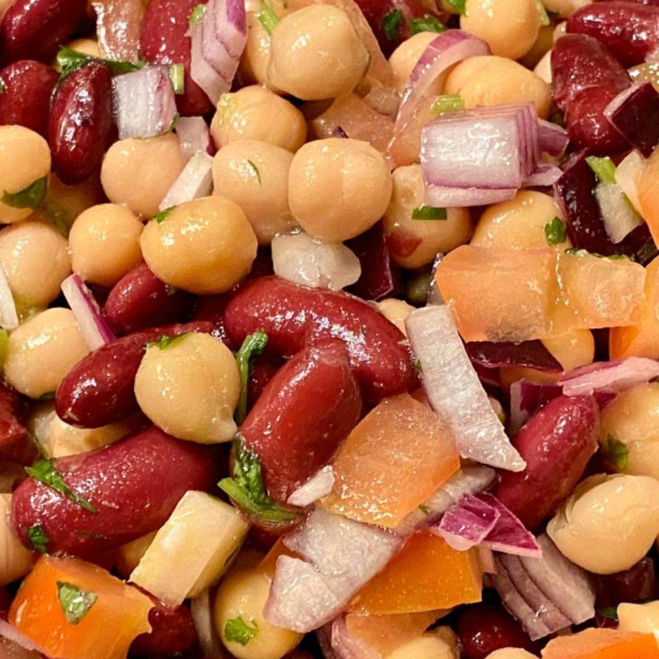 Mediterranean Chickpea Salad II Toyia