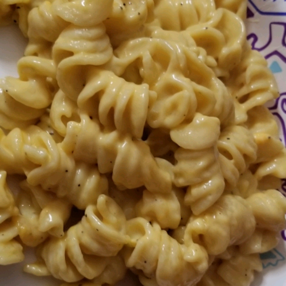 Creamy Pressure Cooker Macaroni and Cheese