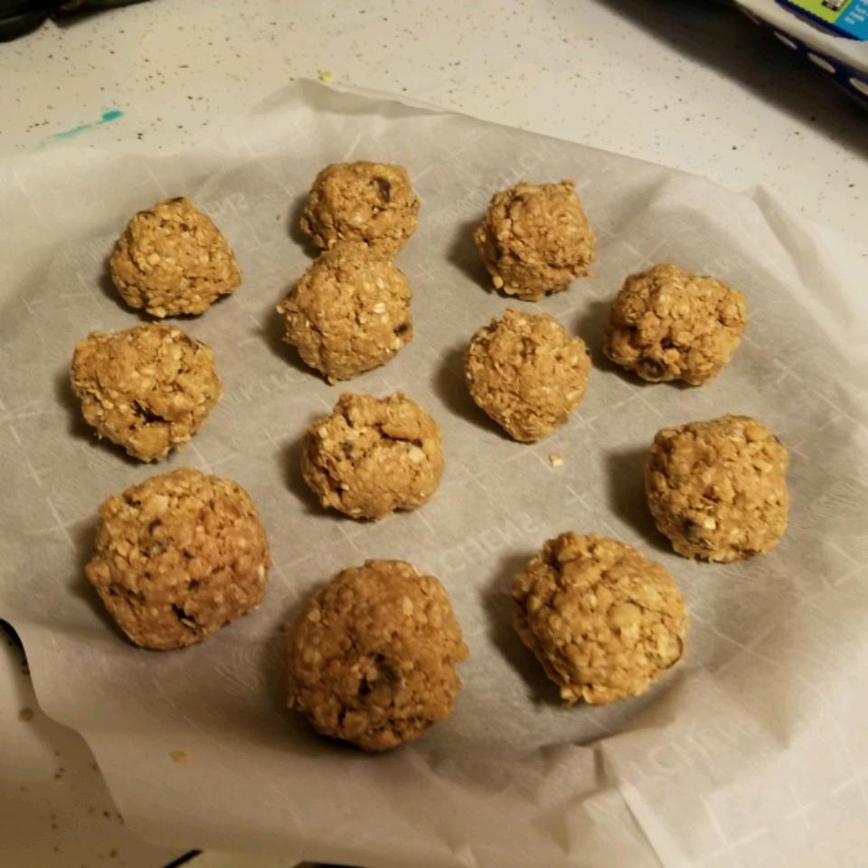 Easy Peanut Butter Energy Balls