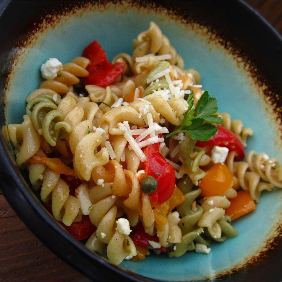 Sweet Pepper Pasta Toss pomplemousse