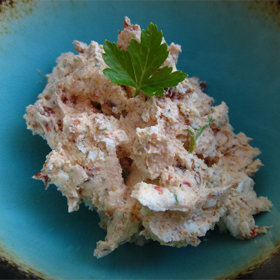 Sun-Dried Tomato Goat Cheese Spread pomplemousse