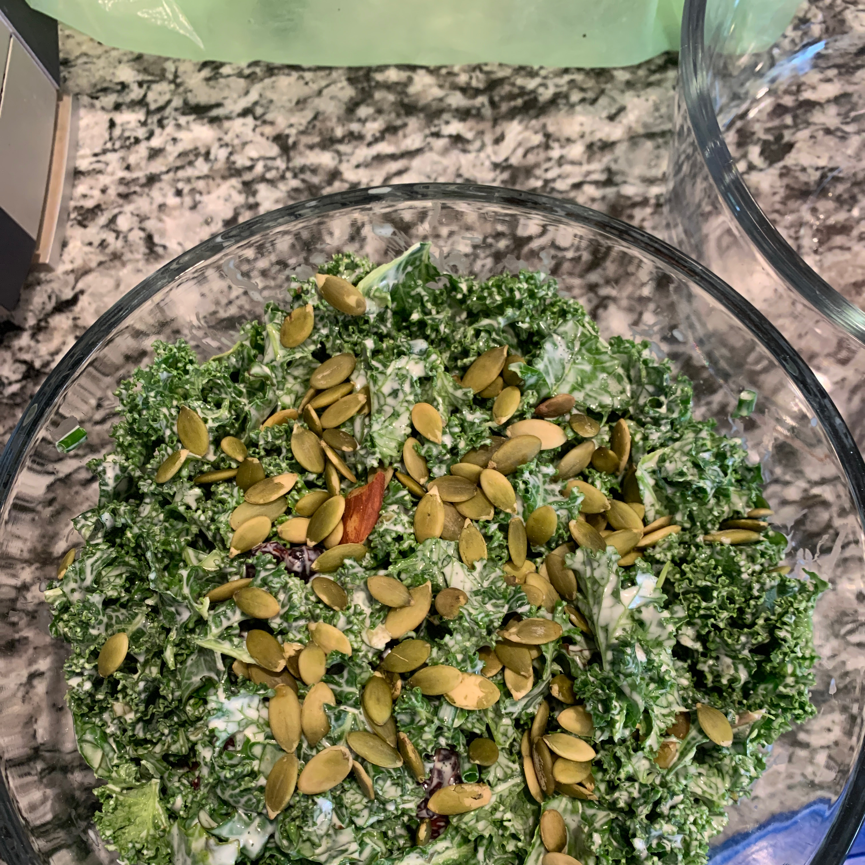 Creamy Kale Salad kayvolk