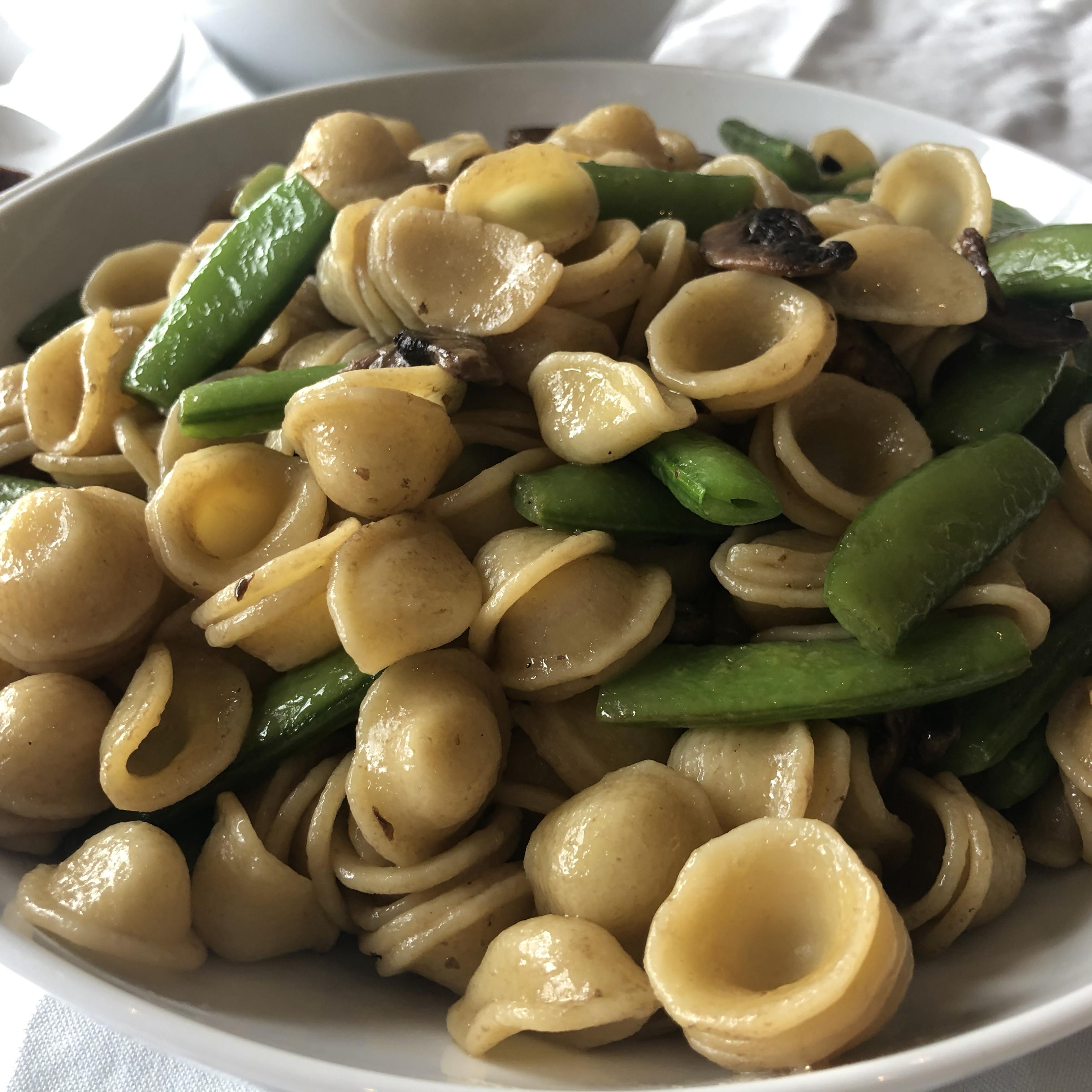 Pasta With Sugar Snap Peas, Parmesan and Mushrooms Shen/Yu Casa