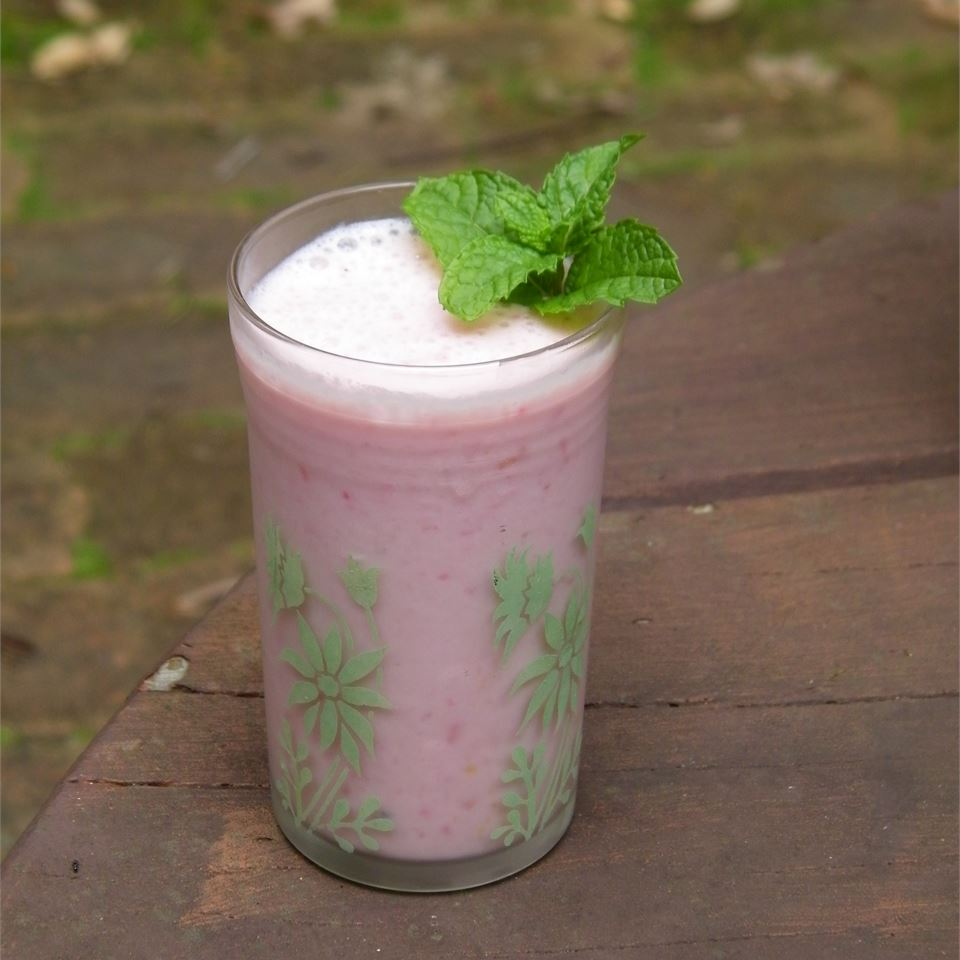 Asian Pear and Strawberry Smoothie