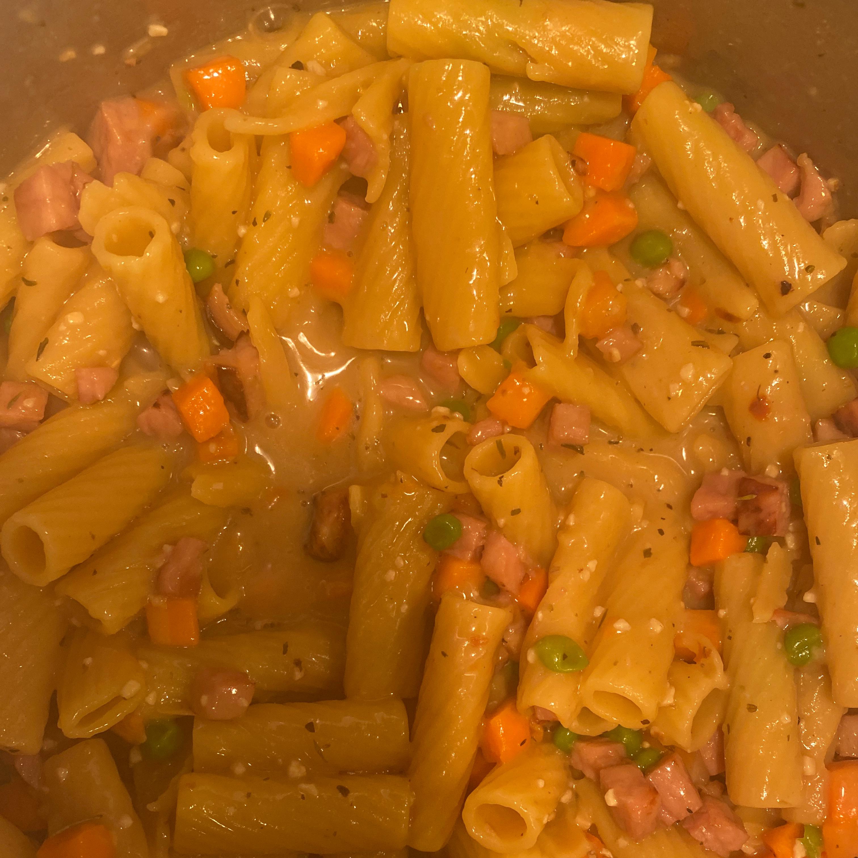 One-Pot Ham and Veggie Pasta