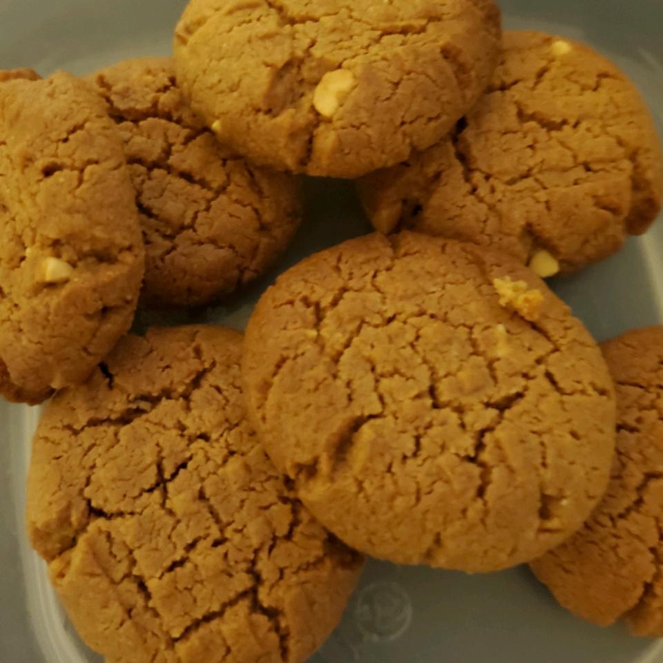 Super-Easy Peanut Butter Cookies tawanda stiggers