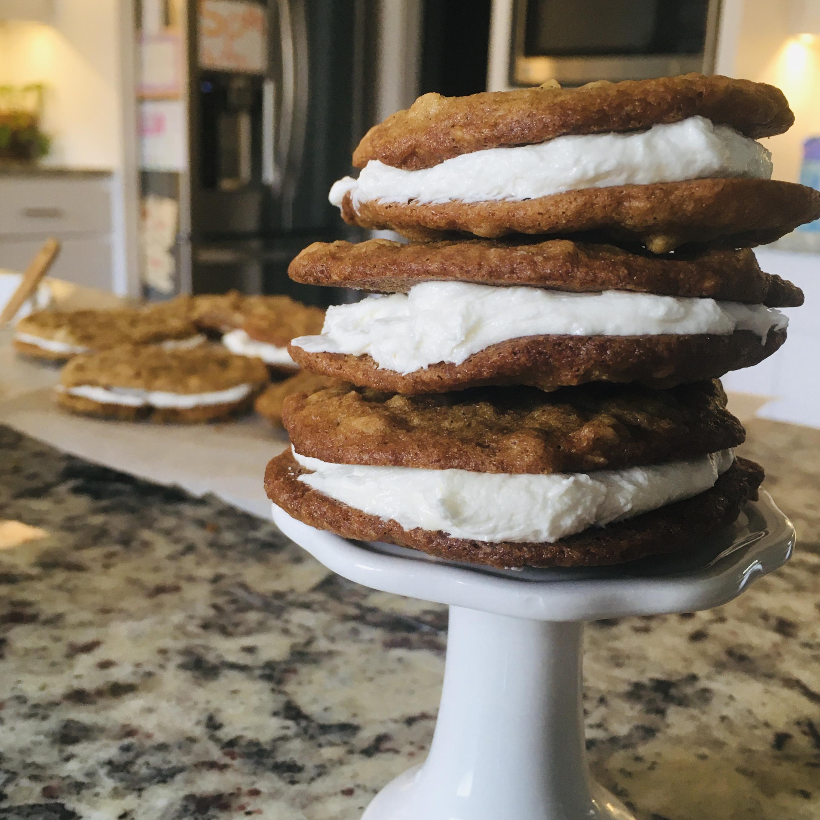 Irresistible Oatmeal Cream Pies
