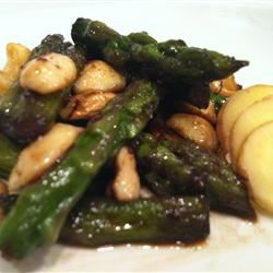 Asparagus and Cashews AllieGeekPi