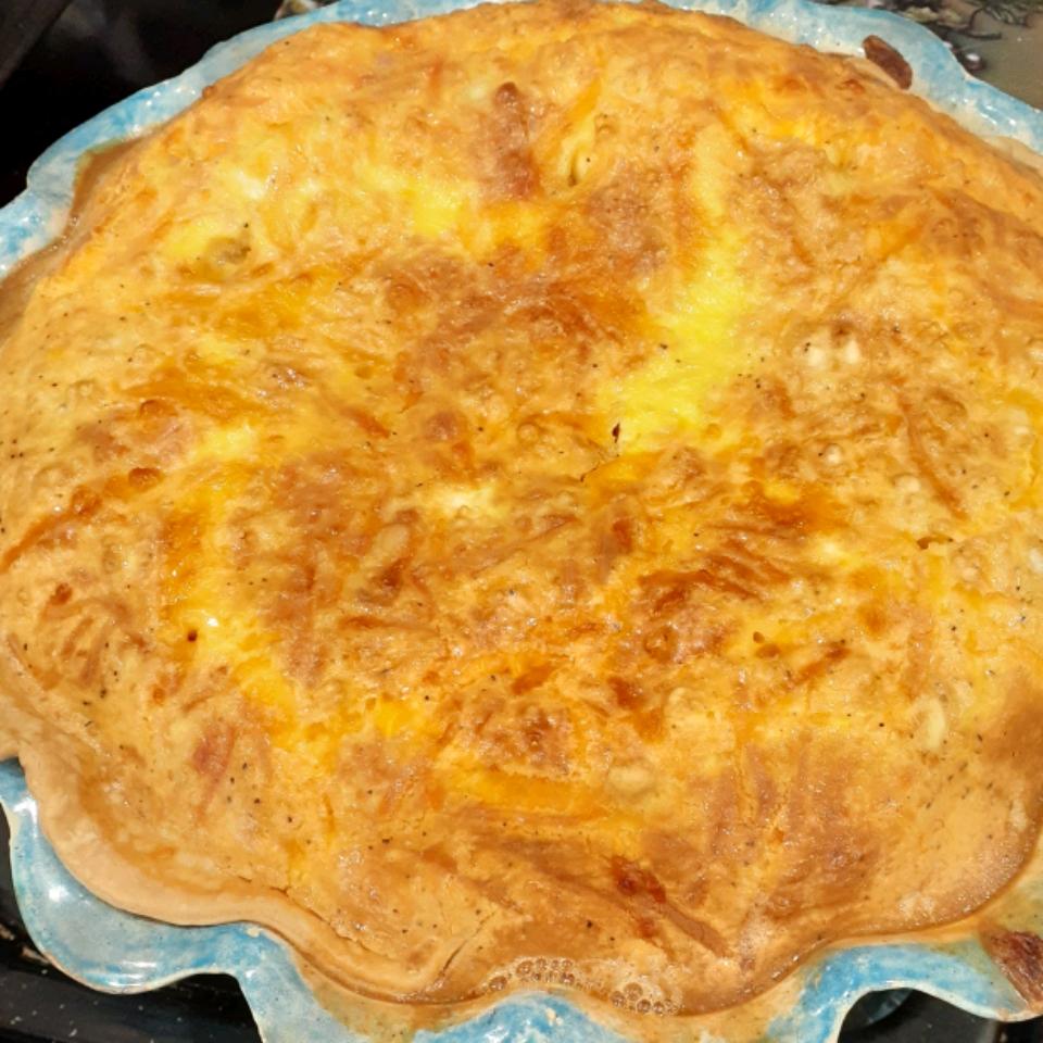 Creamy Ham and Cheese Quiche