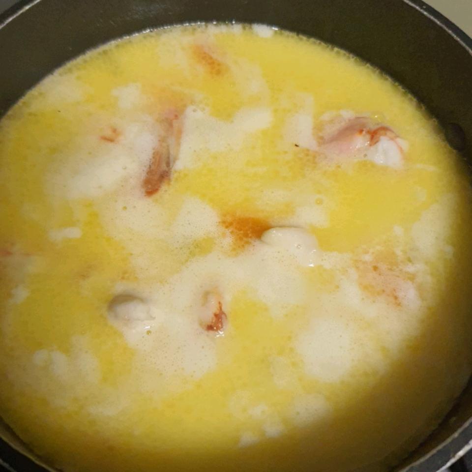 Mom's Nova Scotia Seafood Chowder Chow Fa