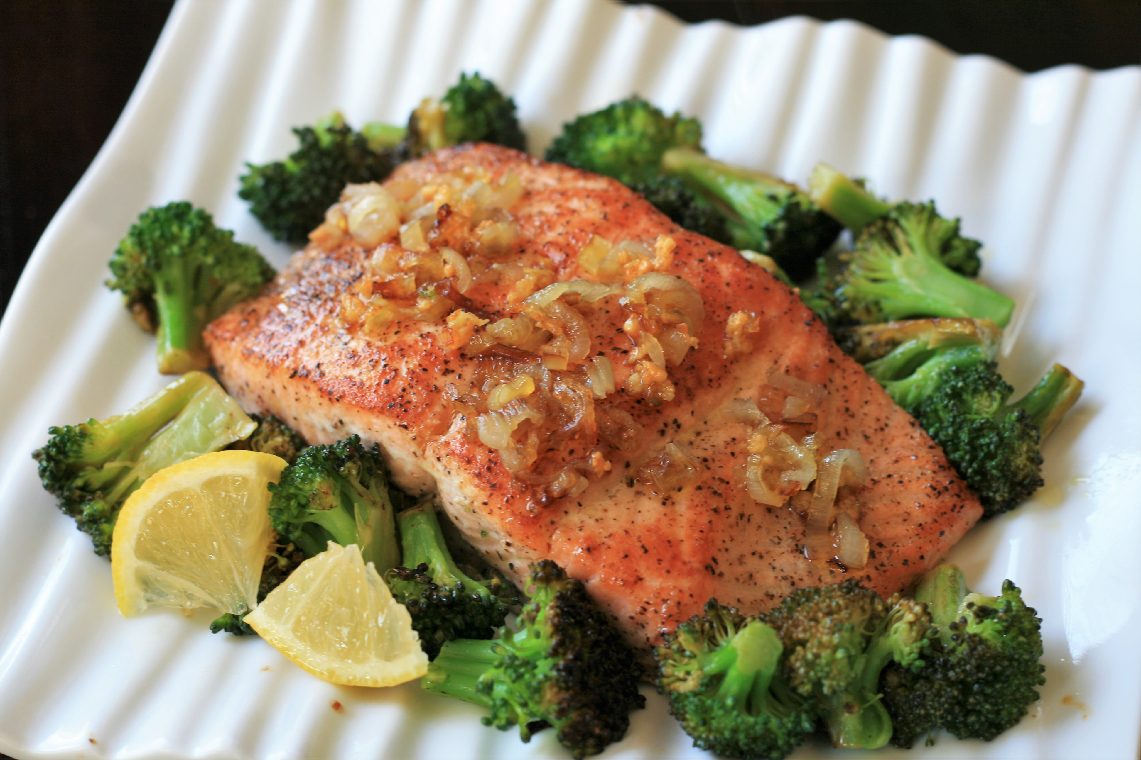 Steamed Salmon with Broccoli and Shallots