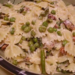 Creamy Asparagus and Peas Pasta Christina