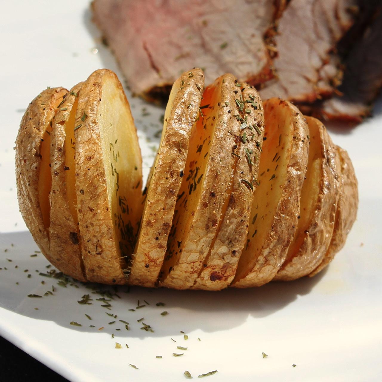 Hasselback Air Fryer Potatoes