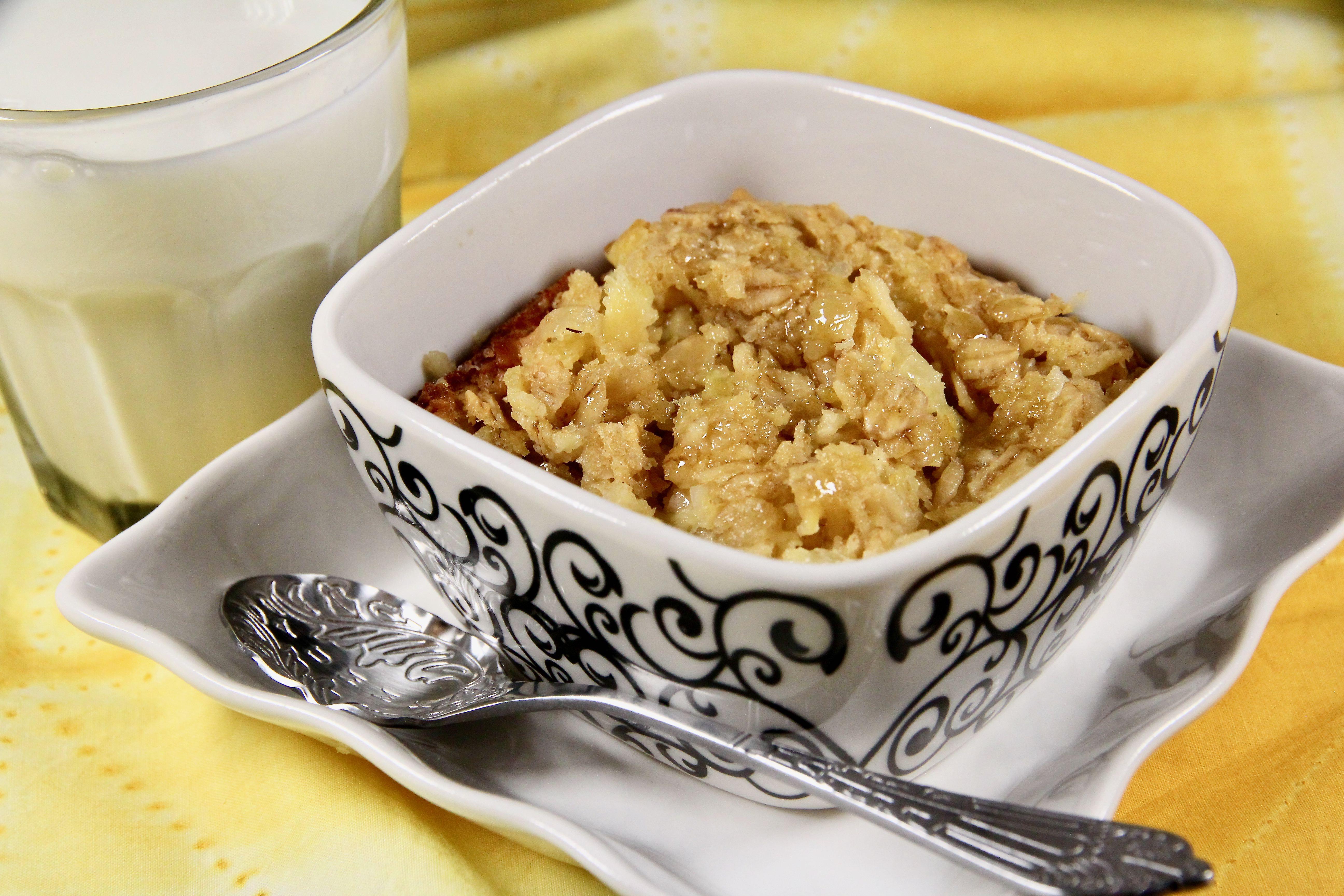 Pineapple-Coconut Baked Oatmeal