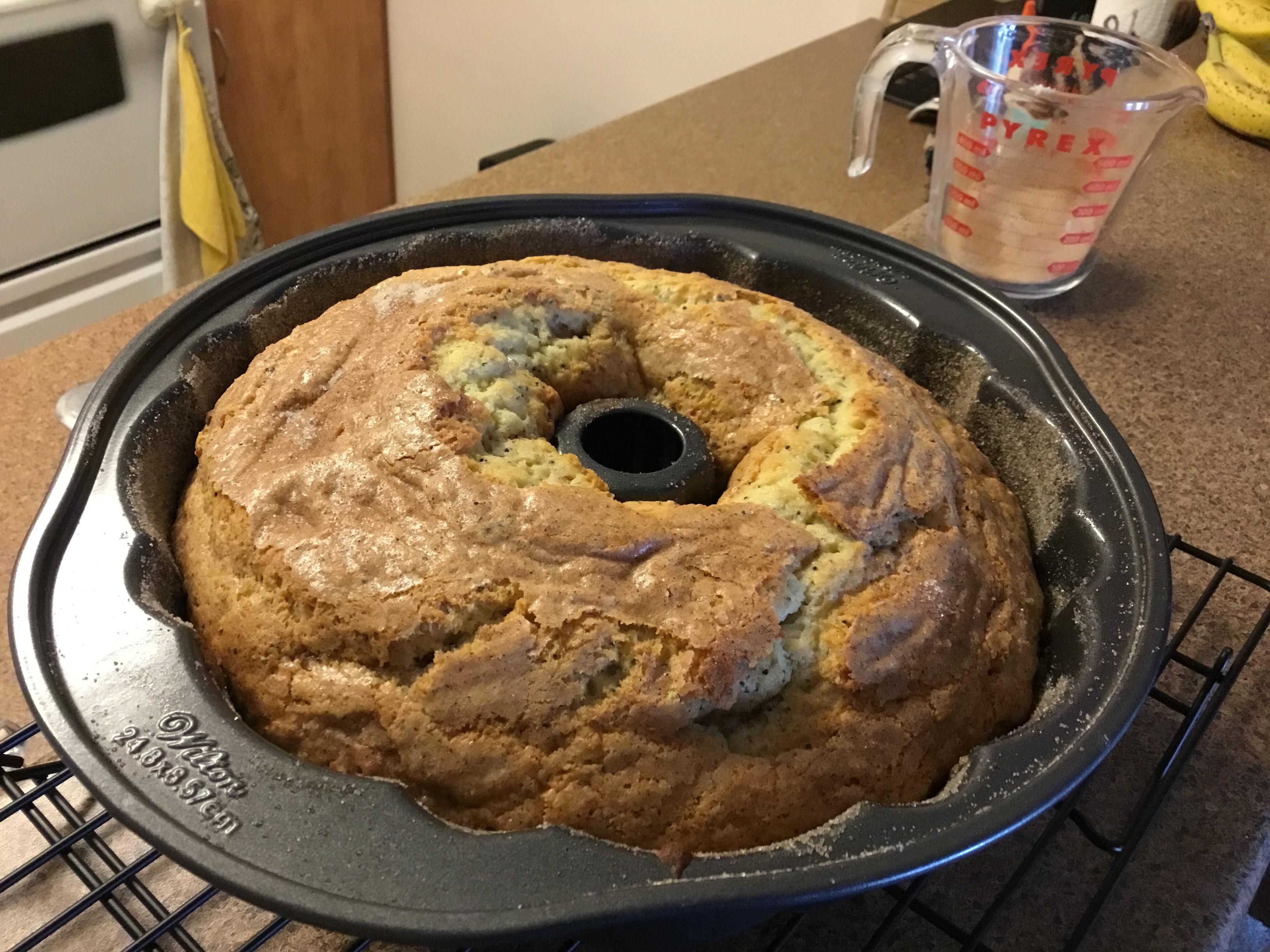 Poppy Seed Bundt Cake I earlyne
