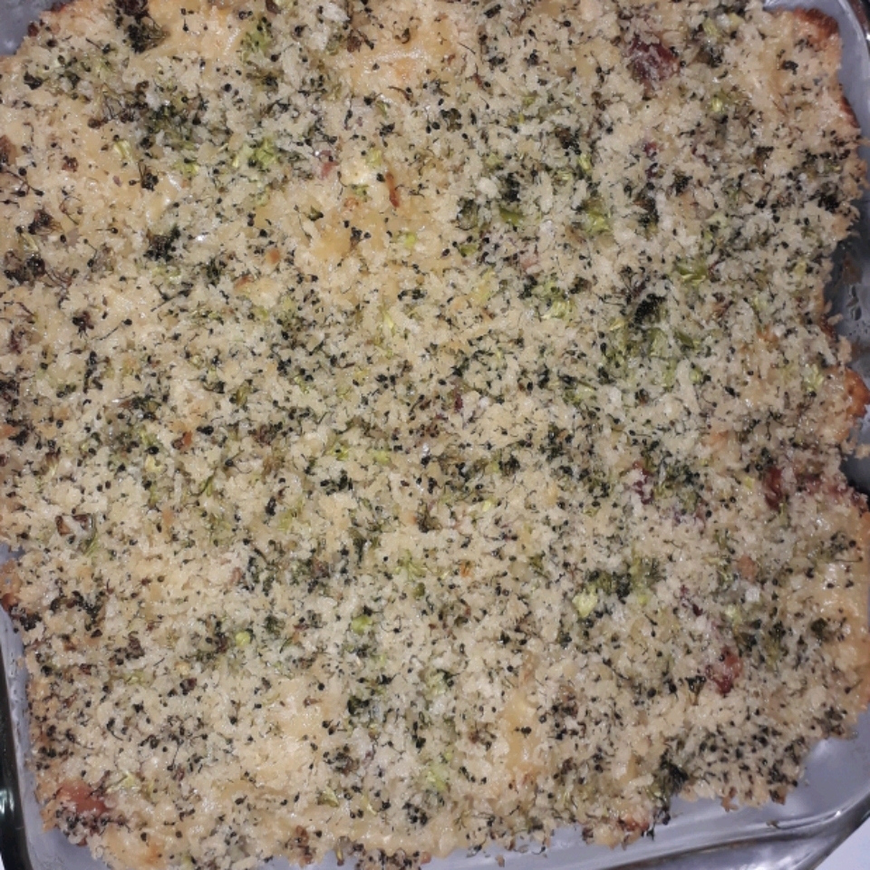 Cheesy Bacon Pasta Bake with Broccoli Crumble