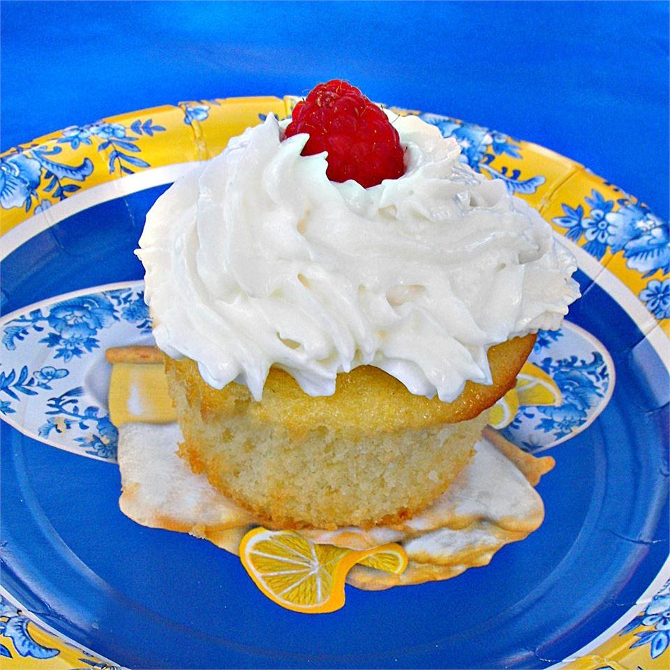 Pineapple Sponge Cake Nichele