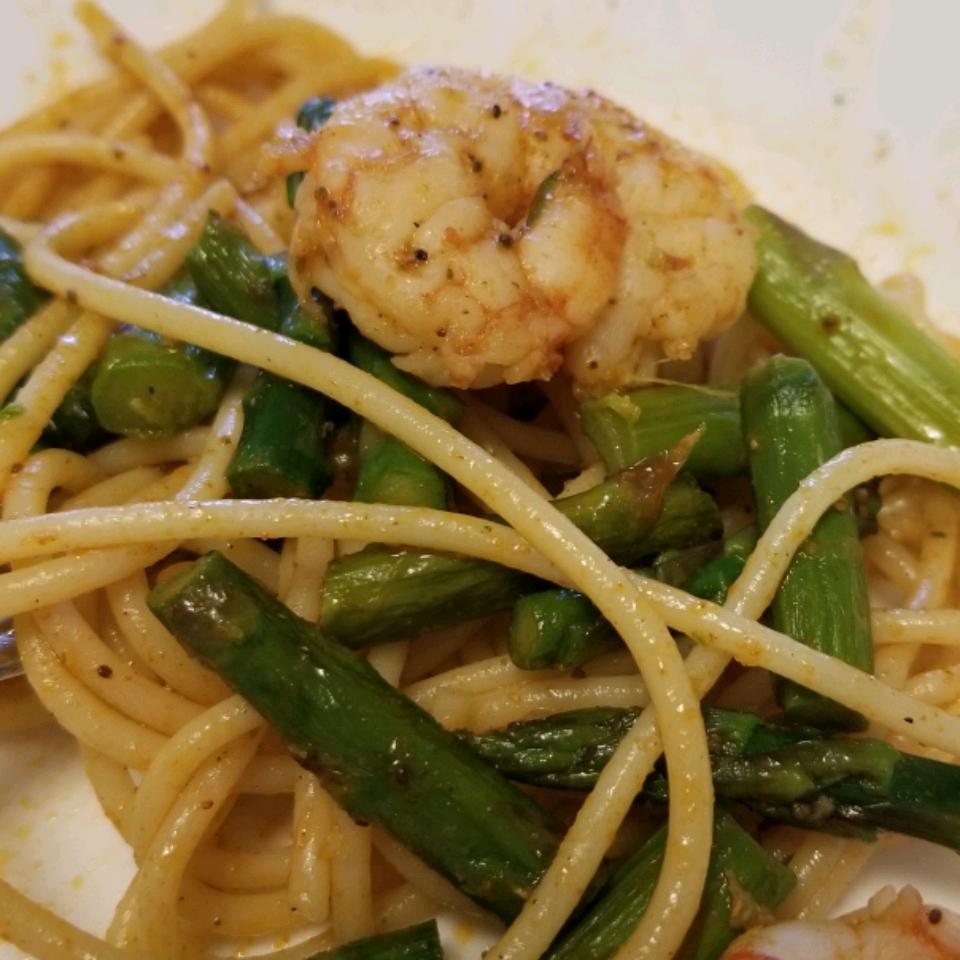 Shrimp and Asparagus Fettuccine