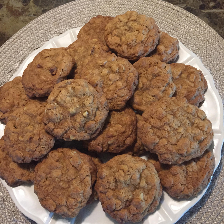World's Best Oatmeal Cookies karen