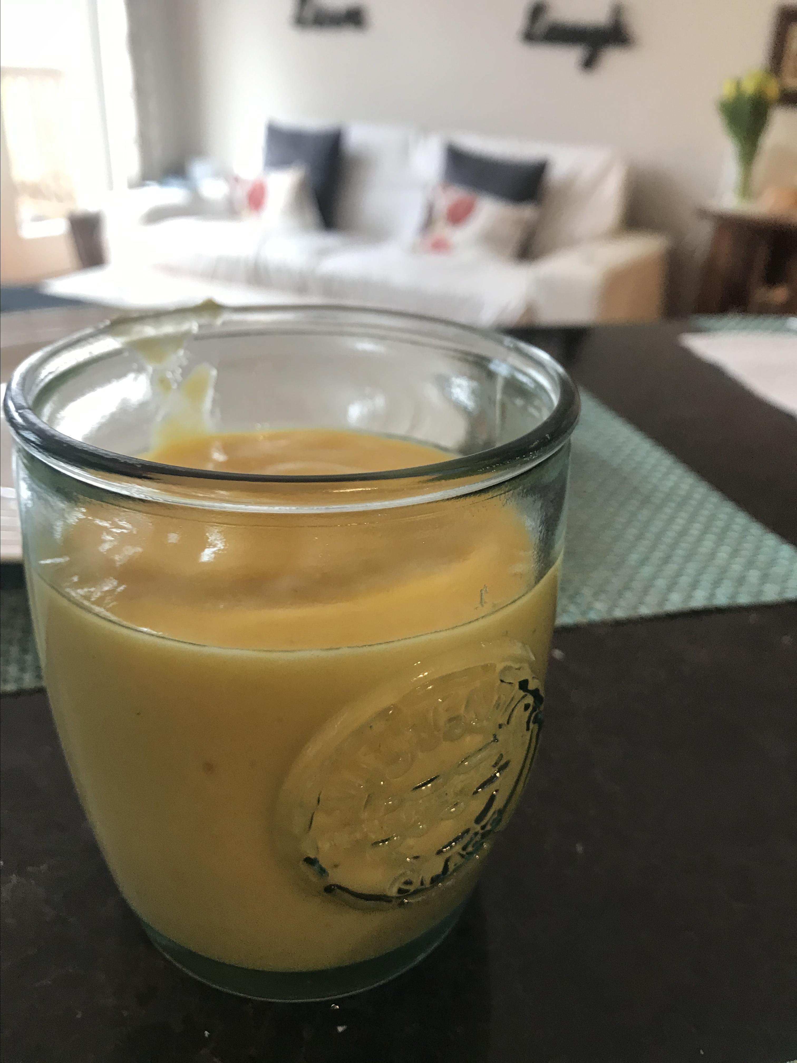 Mango-Banana Smoothie Abril Cordoba-Hernandez