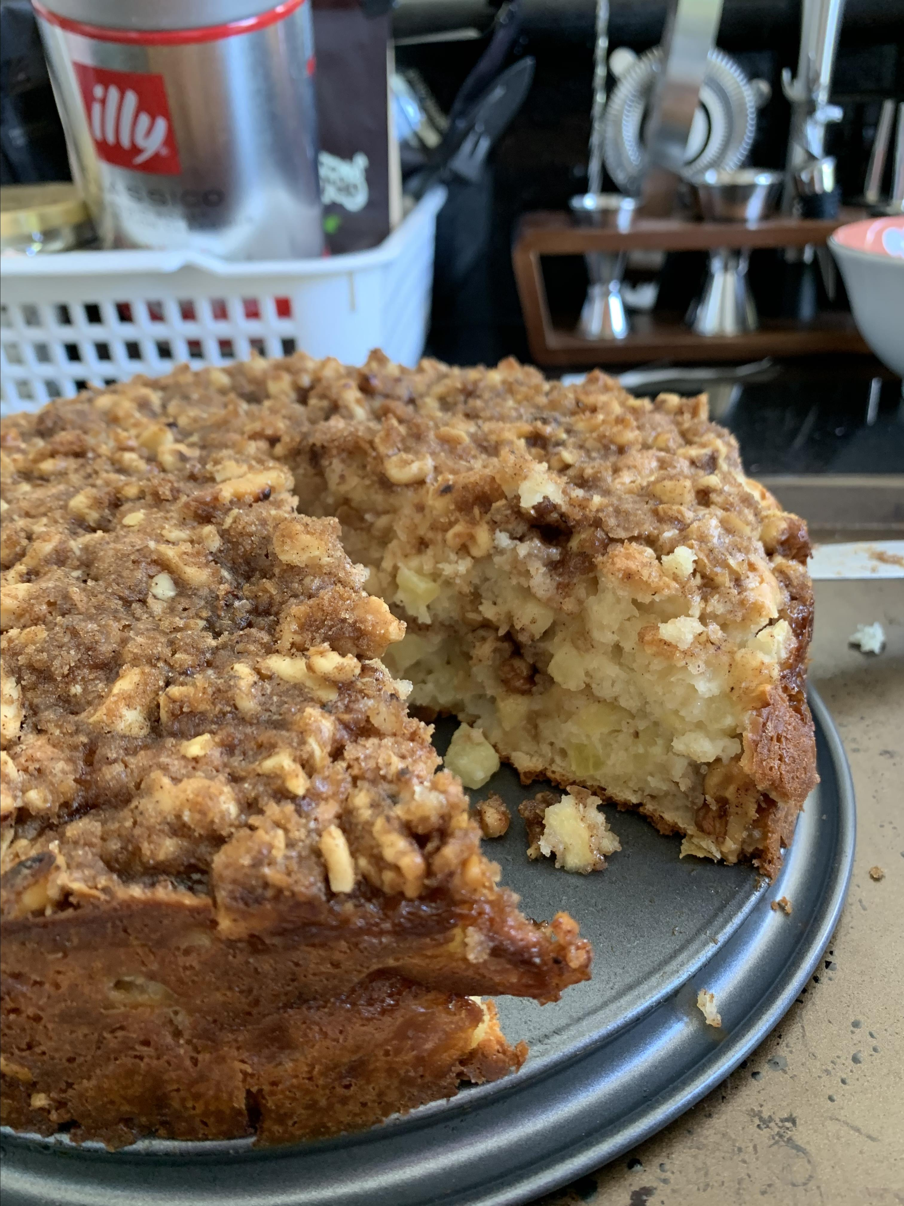 Apple Crumble Coffee Cake ilimb