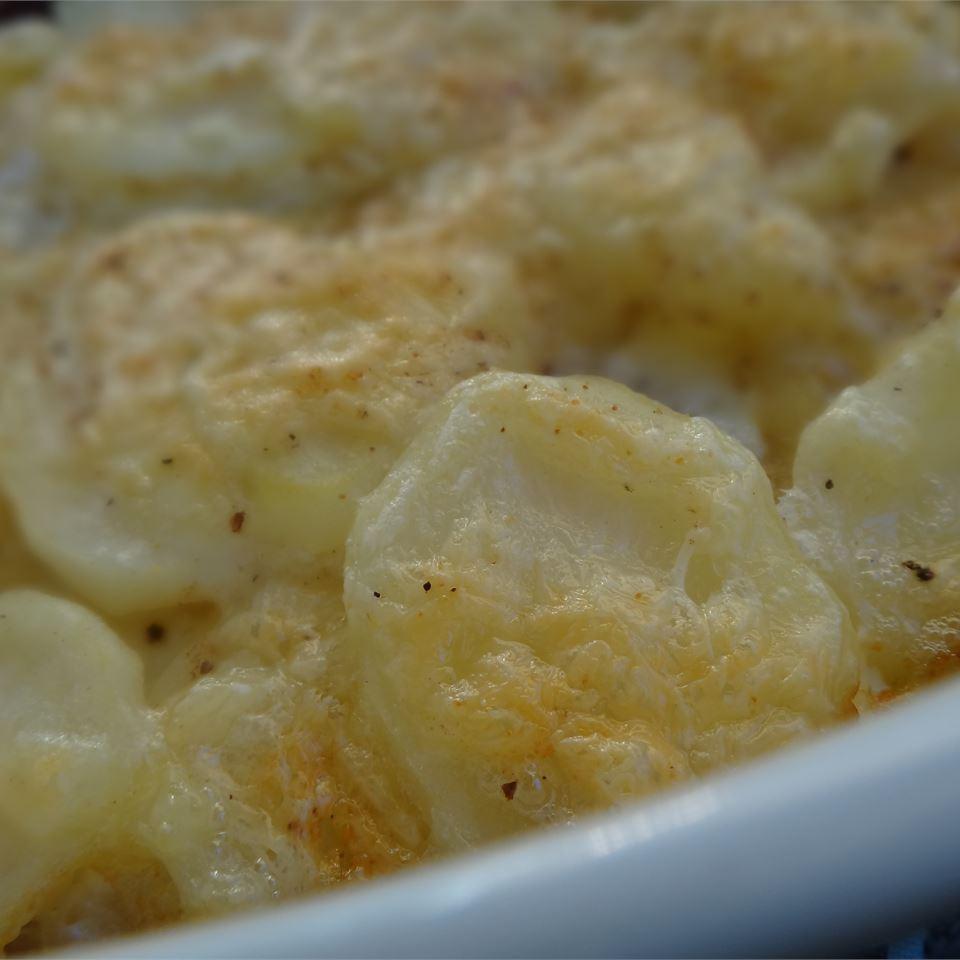 Rich and Creamy Potatoes Au Gratin House of Aqua